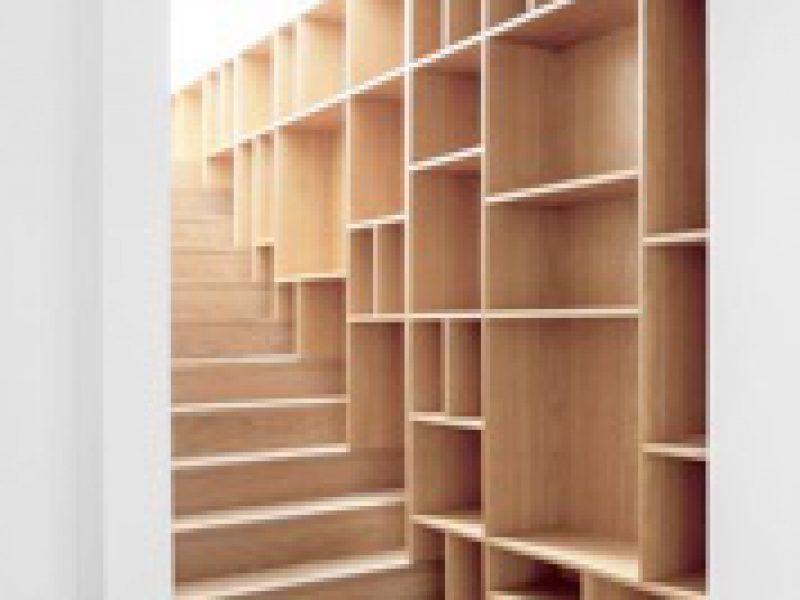 Inbouwkast met trap
